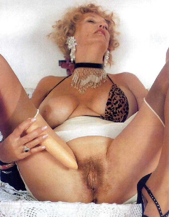 Young hairy pussy pics