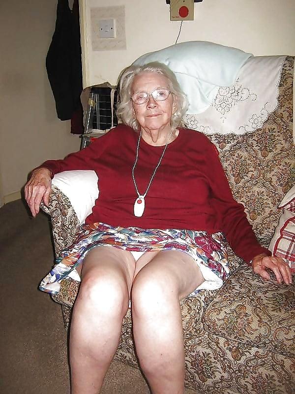 Quick grandma upskirt