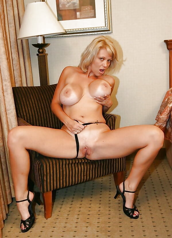 sext-nude-cougar