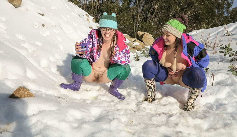 nude-women-peeing-in-snow-teens-naked-from-teen-mom