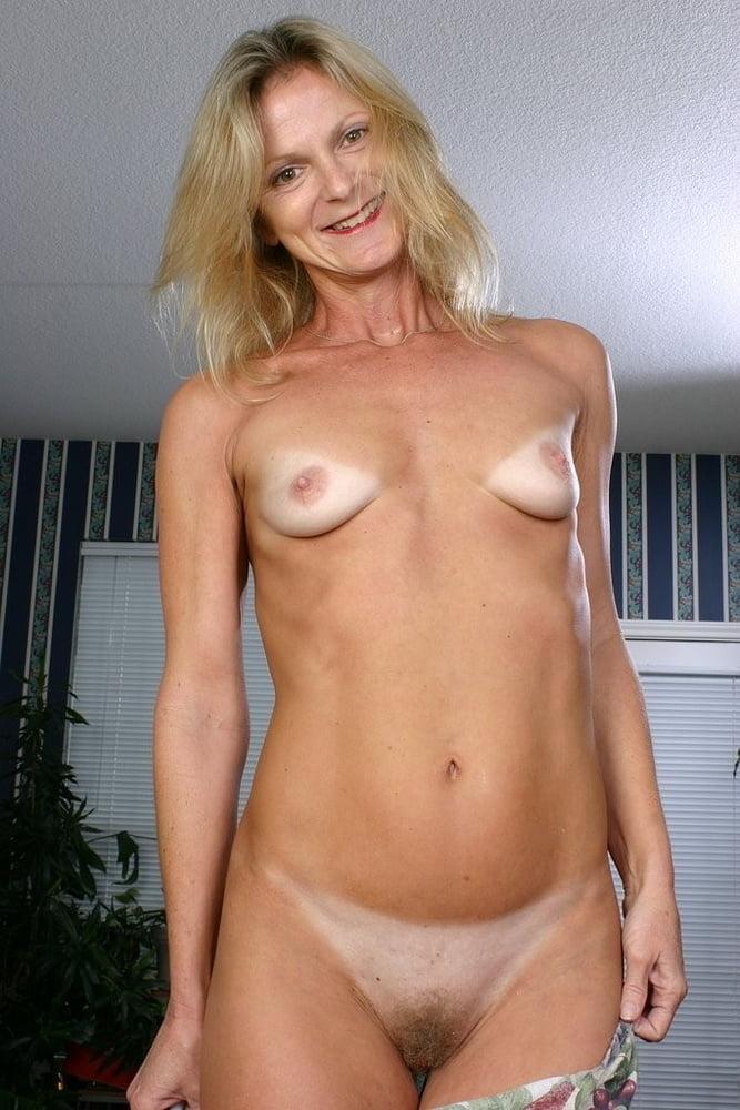 худые голые зрелые женщины блин