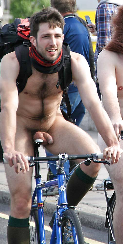 Naked man with bike uncircumcised — pic 10