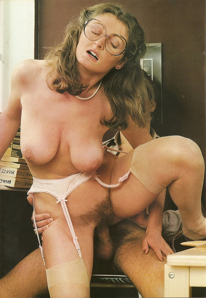 Pie milf retro, aunt and younger sex