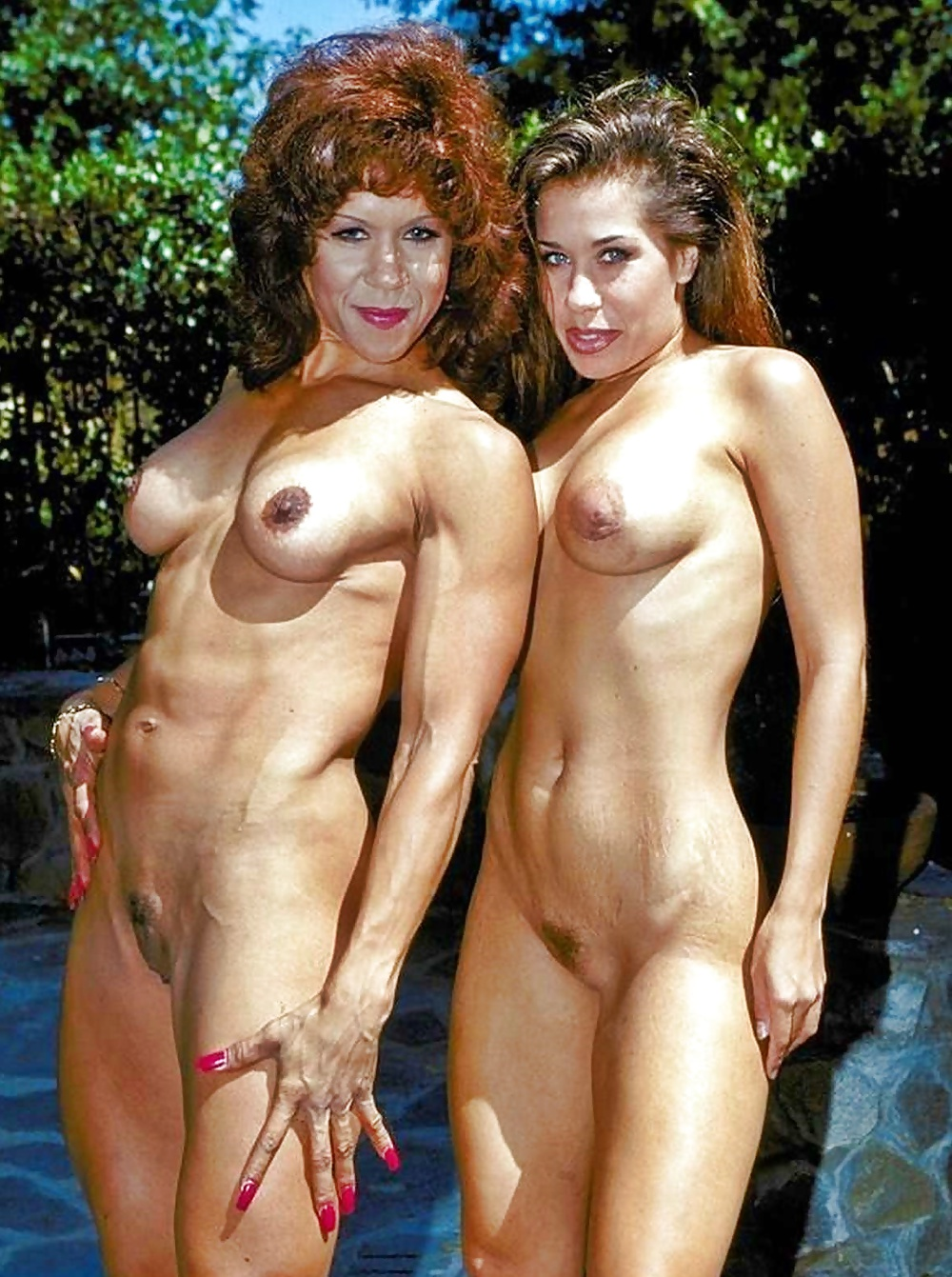 Real mother nude posing with daughter