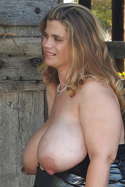 Pregnant Milf With Huge Saggy Tits By Troc - 24 Pics -1319