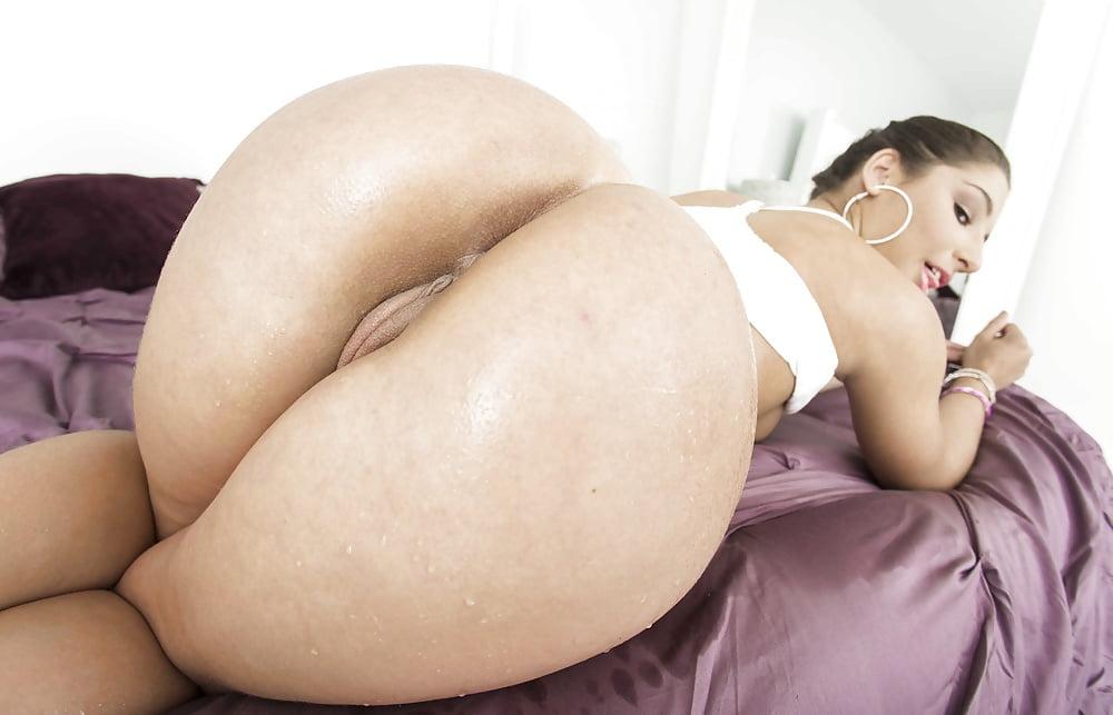 marisa miller nude sex scene