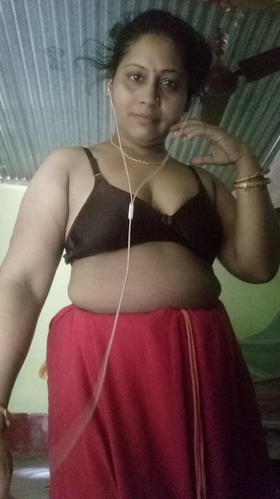 Desi sexy bhabi image