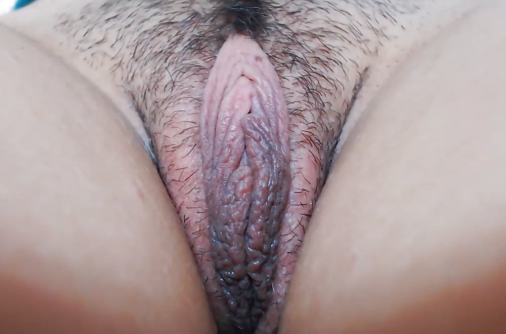 Fucking wet pussy lips porn photo