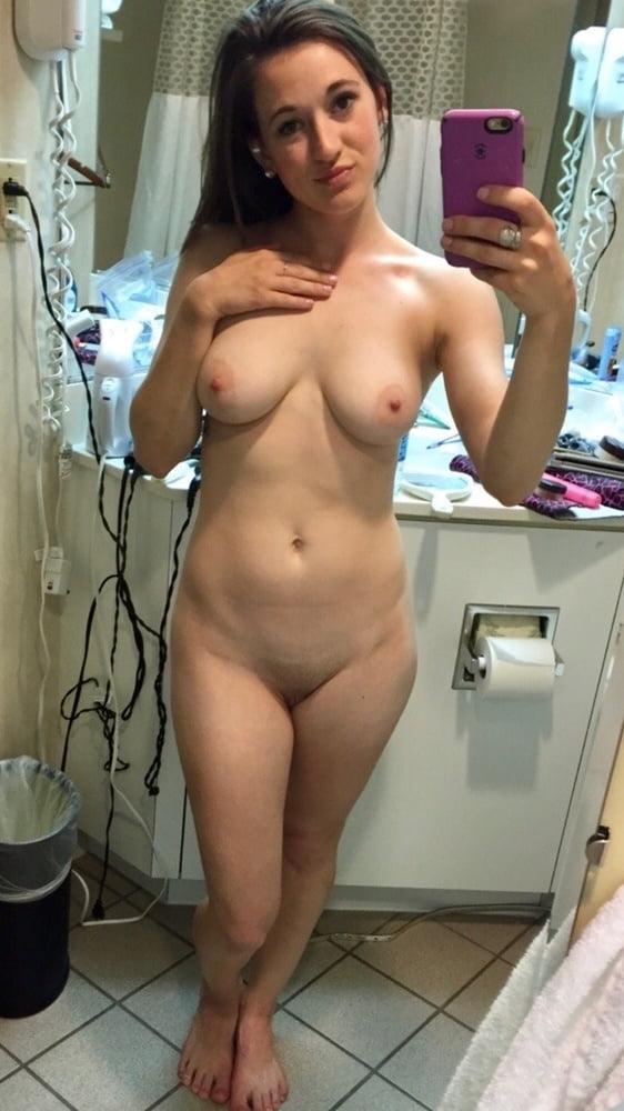 Nude ugly selfies — pic 8