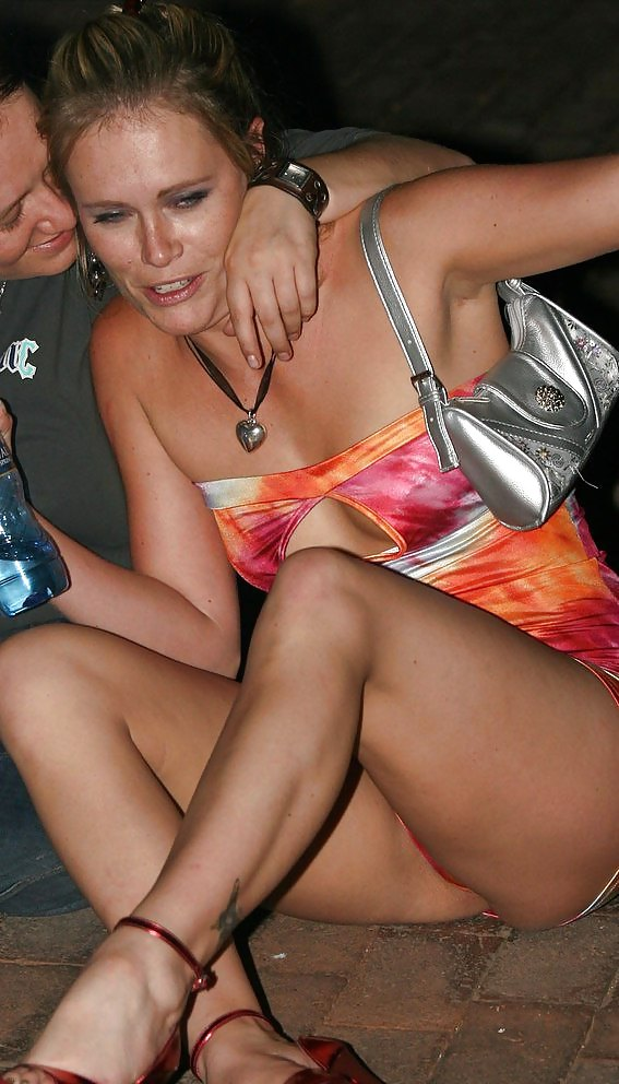 drunk-chick-upskirt