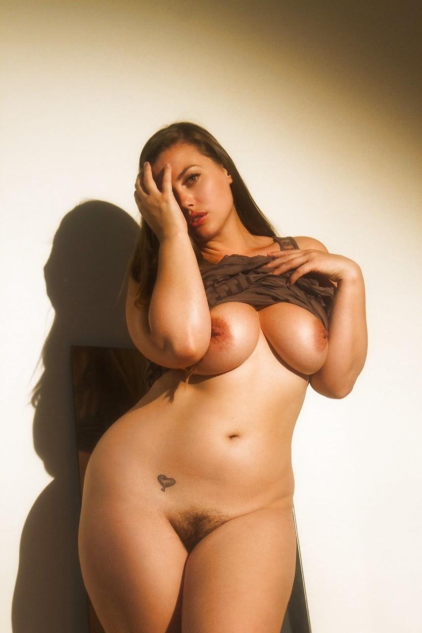 girls Busty curvy