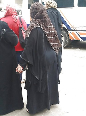 candid arab ass voyeur big mature butt street booty