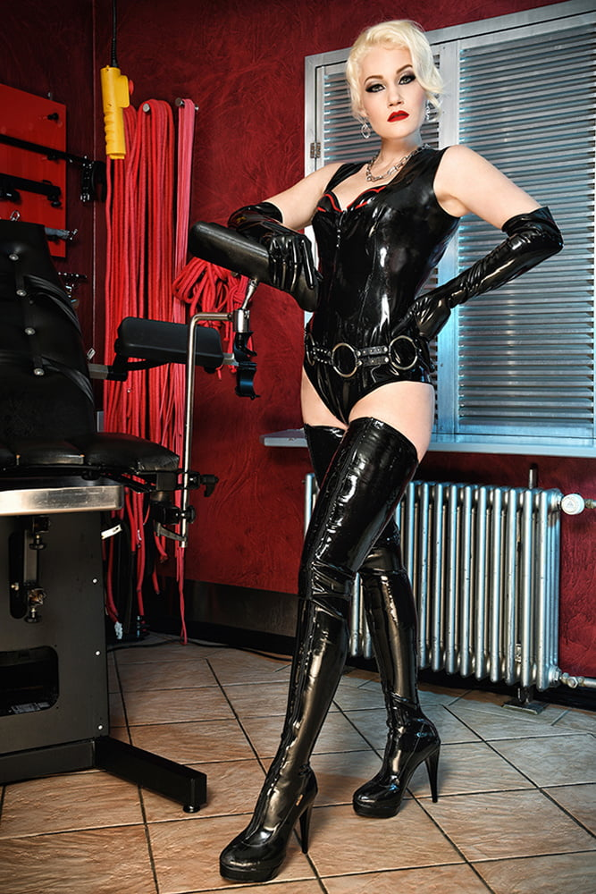 Dominant Ladies Latex Leather Xhamste 1