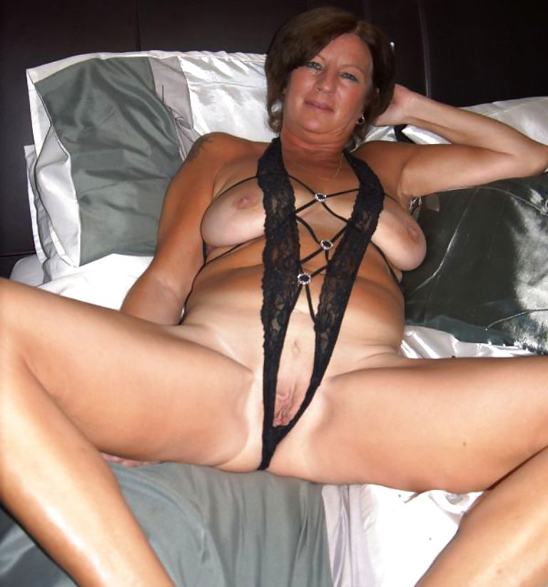 Short sexy milf