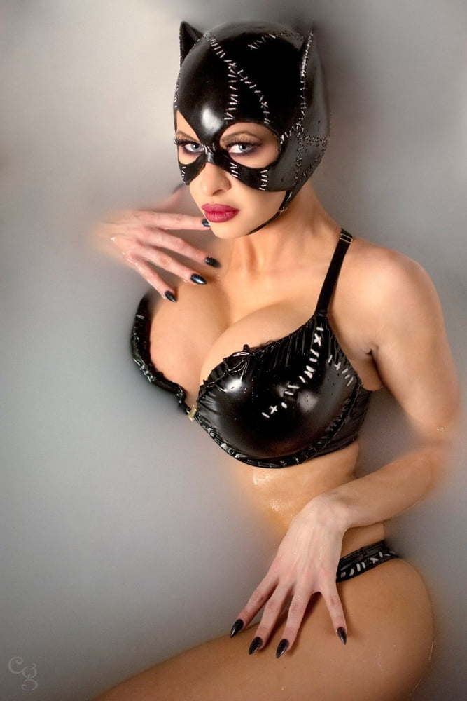 Who played catwoman