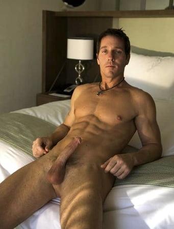 Hunk Nude
