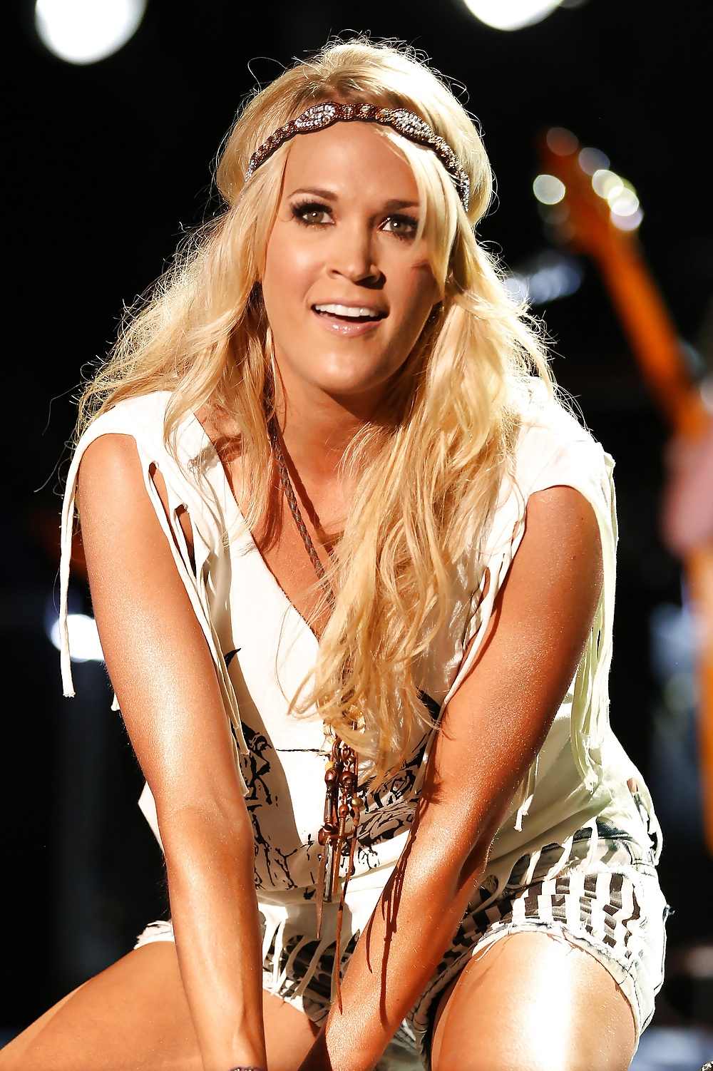 Black free pictures of carrie underwood butt and white