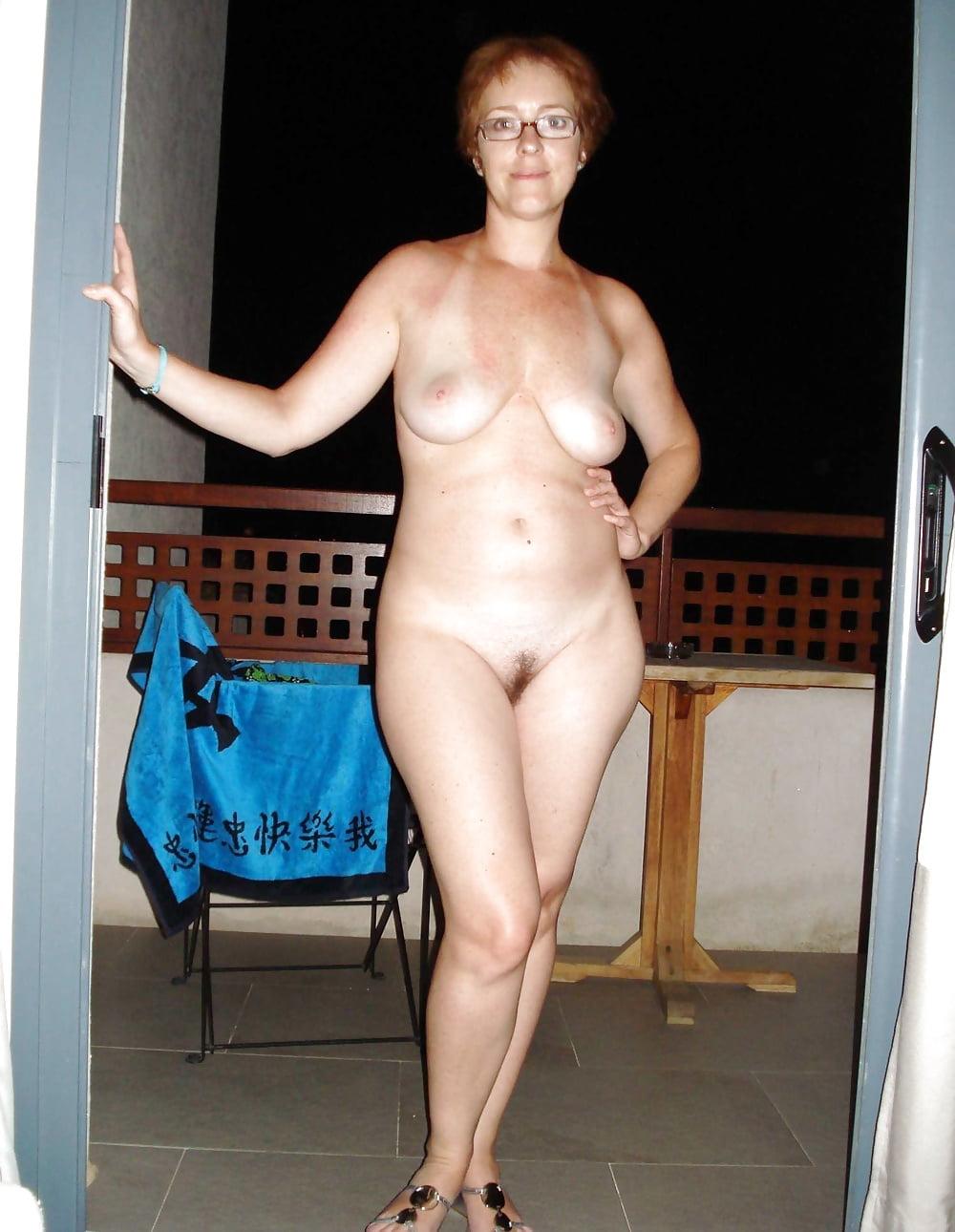 Голые женщины в бальзаковском возрасте фото