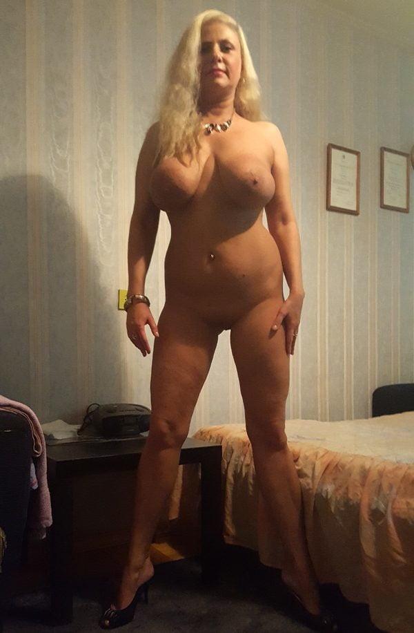 Frau mit großer muschi