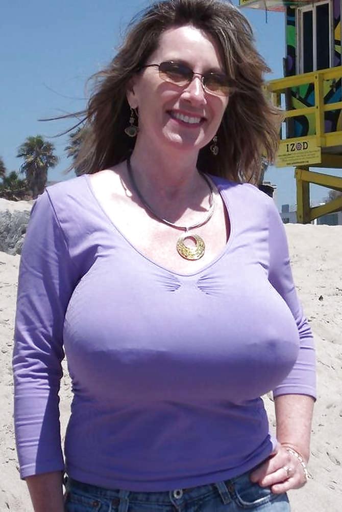tumblr-fuck-busty-photos-of-nancy-quill-titen-qatar-topless