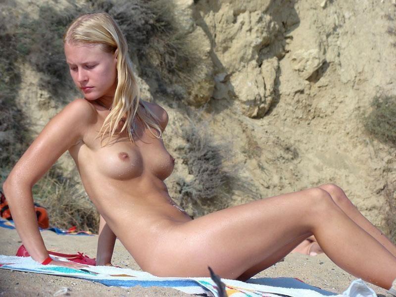 blonde-nudists-free-pics