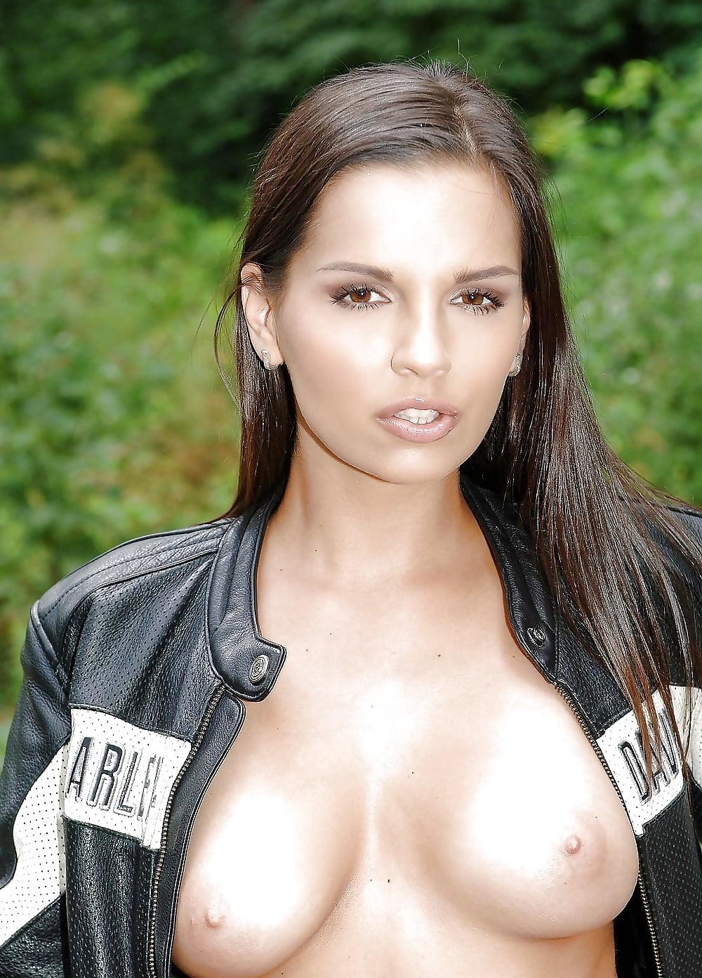 Фото красивых порноактрис из венгрии
