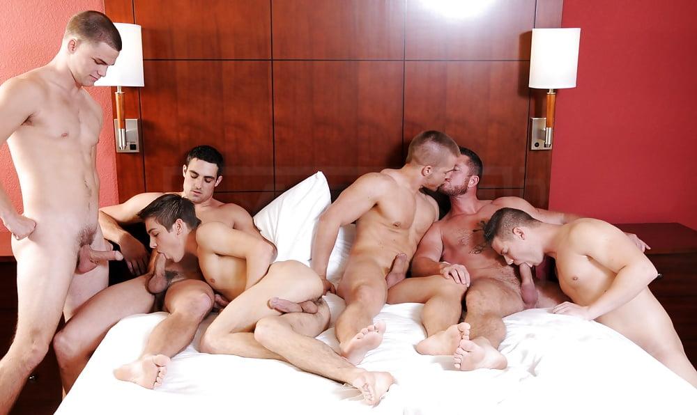 men-group-sex-orgies