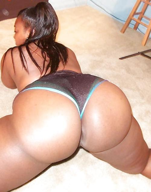 Ebony booty in panties-5896