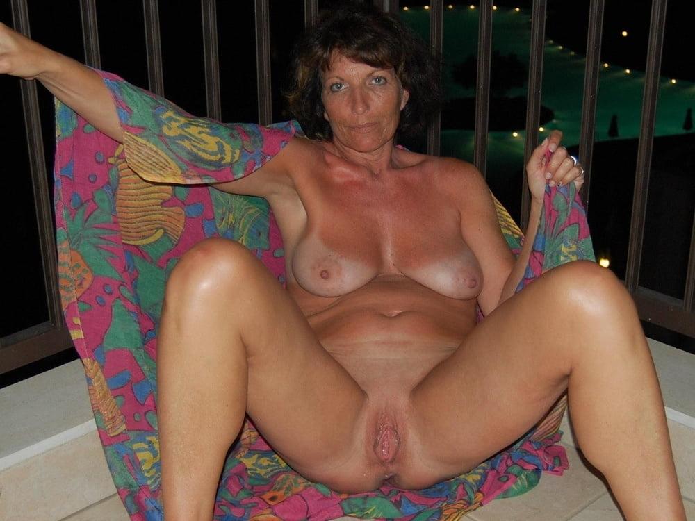 senior-wife-naked