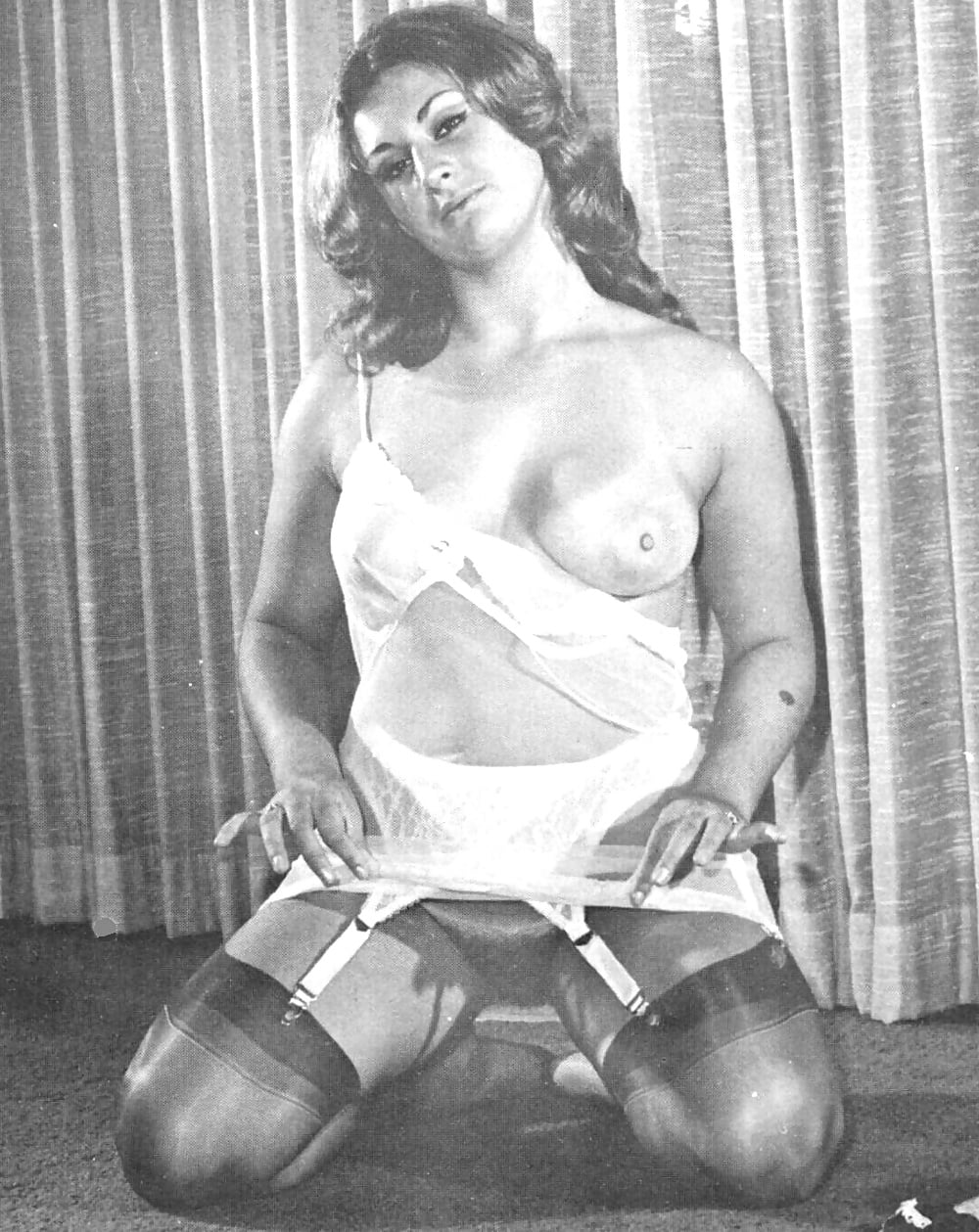 Retro lingerie fetish pics