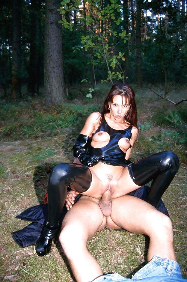 Outdoor Latex Porn Pics