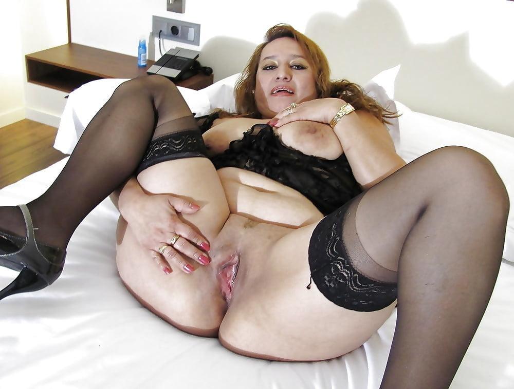 Stockings mature nude pics, women porn gallery