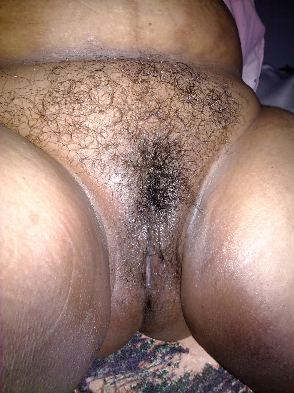 Bbw Aunty Rubs Pussy While Speaking On Phone Porn Galery Photo
