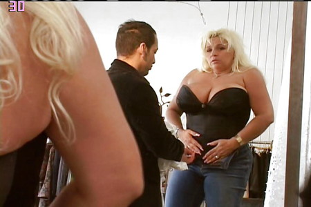 beth chapman bounty hunter tits