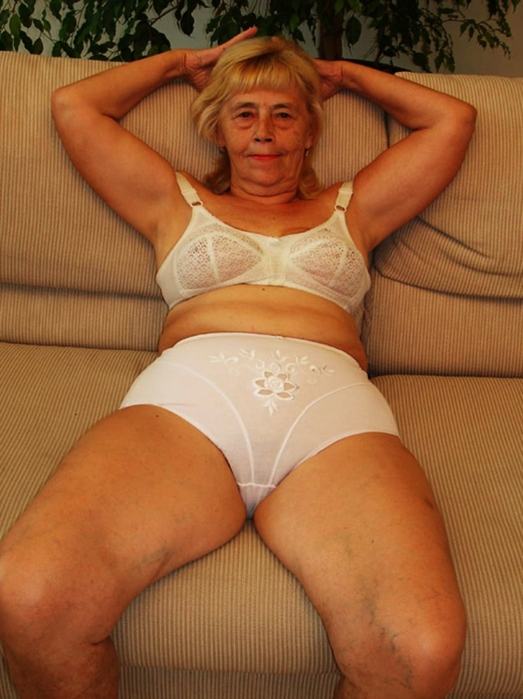 Granny camel toe sex galleries — pic 13