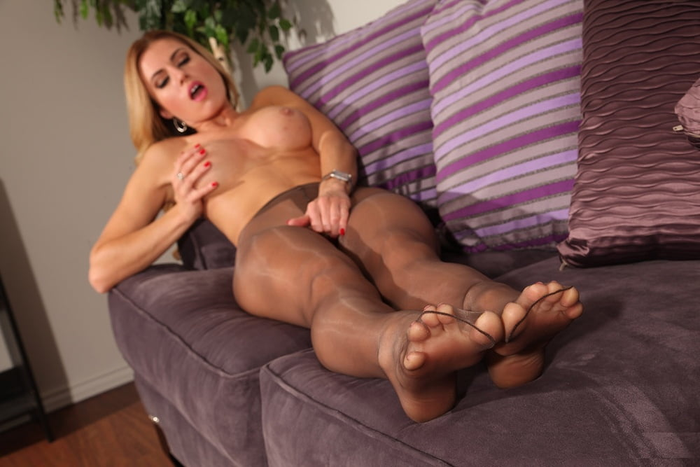 Tan Pantyhose And Nylon Feet