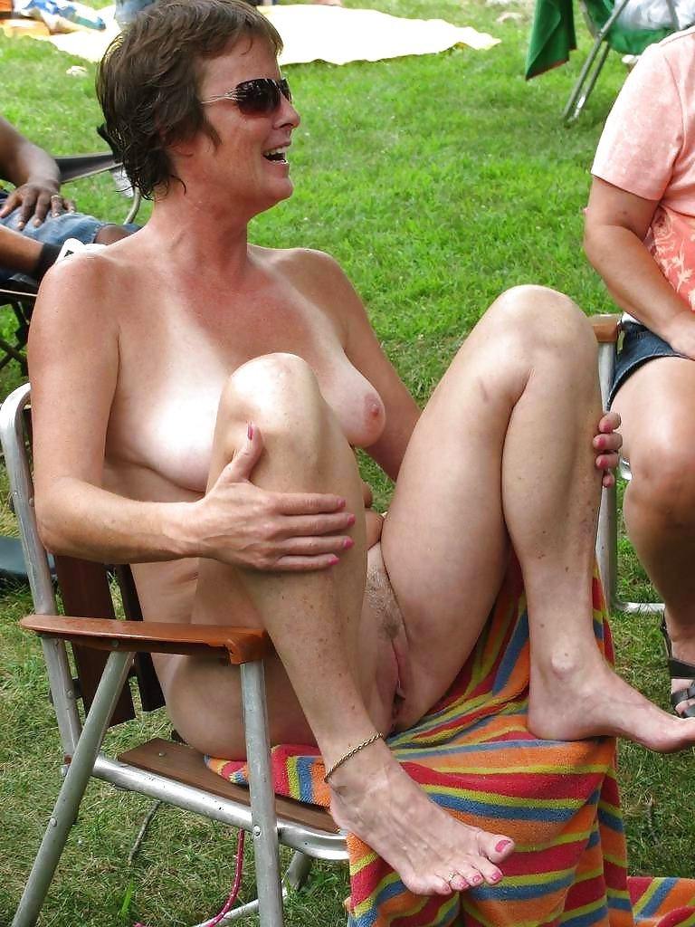 Surprised naked mom embarrassed