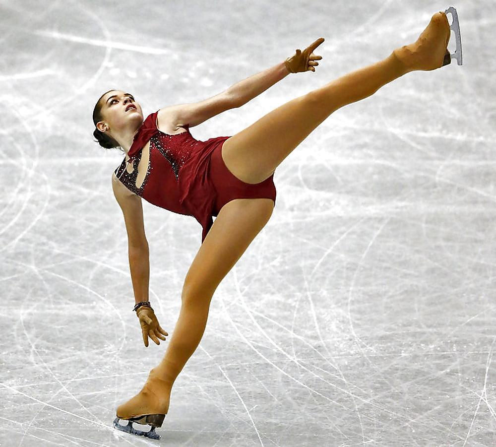Эро фото фигуристки сотниковой на льду #2