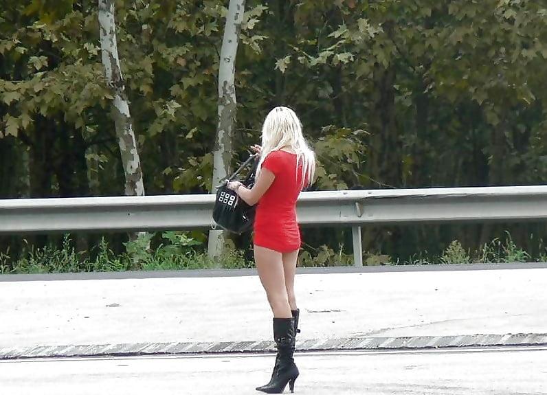 skolko-stoyat-prostitutki-na-trasse-porno-zvezdi-na-massazhe-porno-video-onlayn