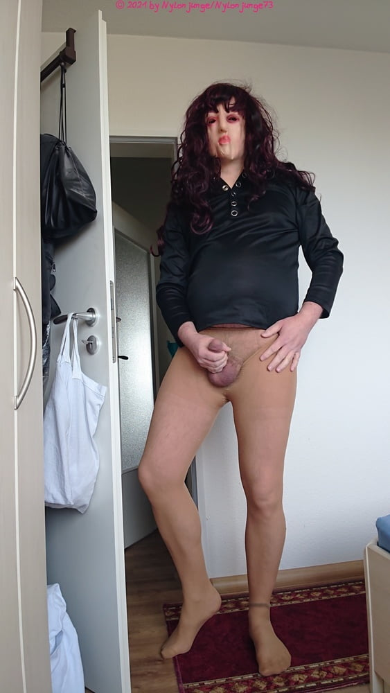 Horny as a trans in pantyhose - 7 Pics
