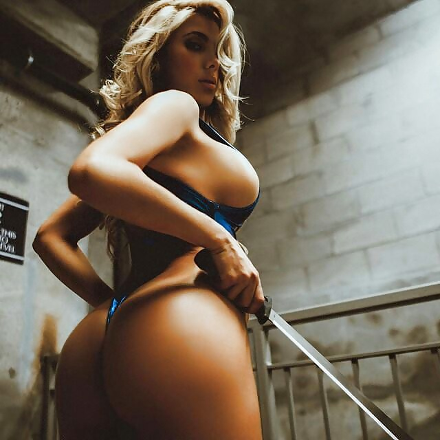 Andrea Guzman No Source Celebrity Posing Hot Babe Big Tits Eurocurves 1