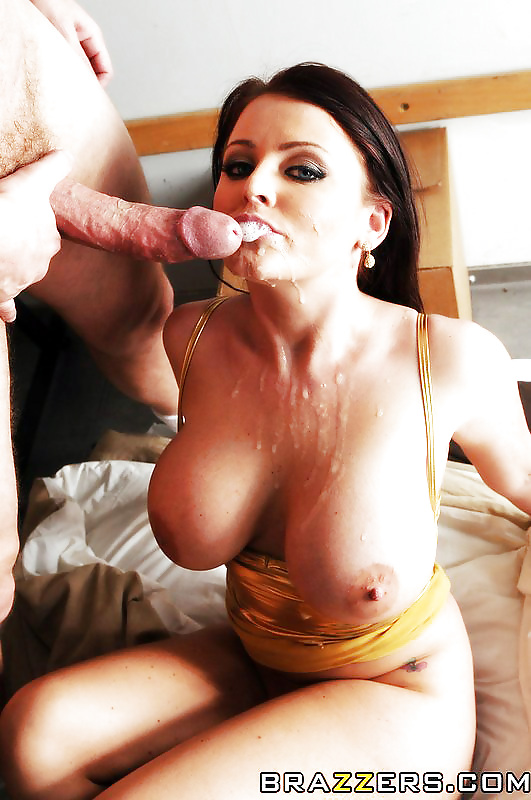 Lucky Flapper Sophie Dee Likes To Work With Big Cocks And Gets Facial 1