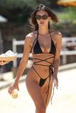Bikini Babe Emily Ratajkowski