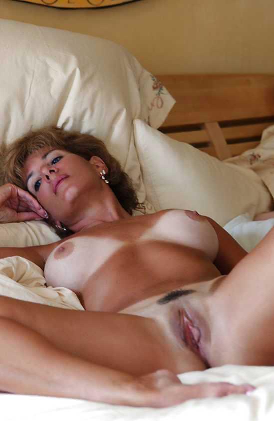 Naked mature women masterbating-7309