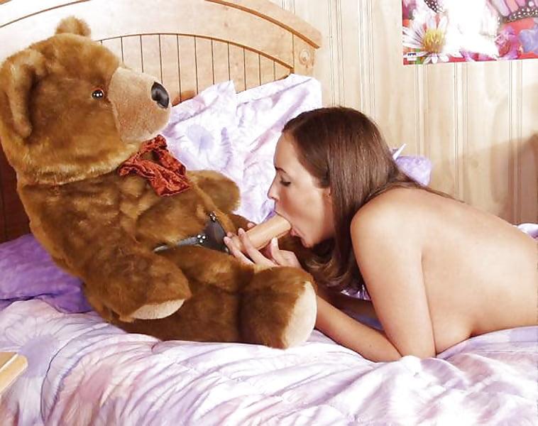 Dancing Bear Fucks Lots Of Girls In Sex Party
