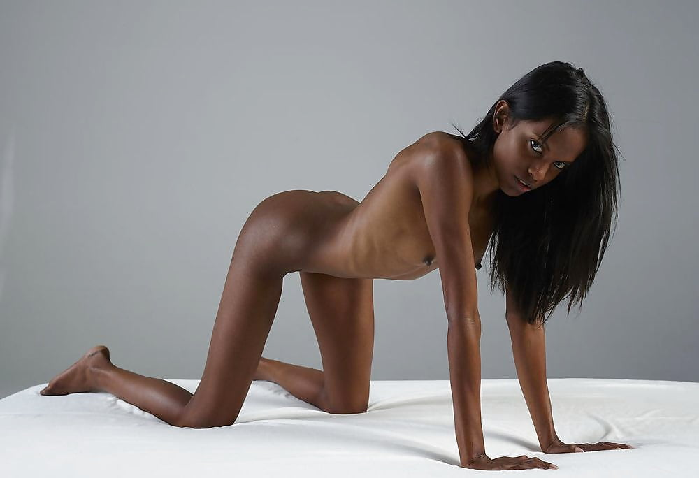 Cute and skinny ebony naked pictures