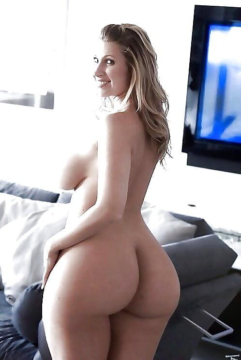 Pink bra big boobs tight little butt and curvy curves porn