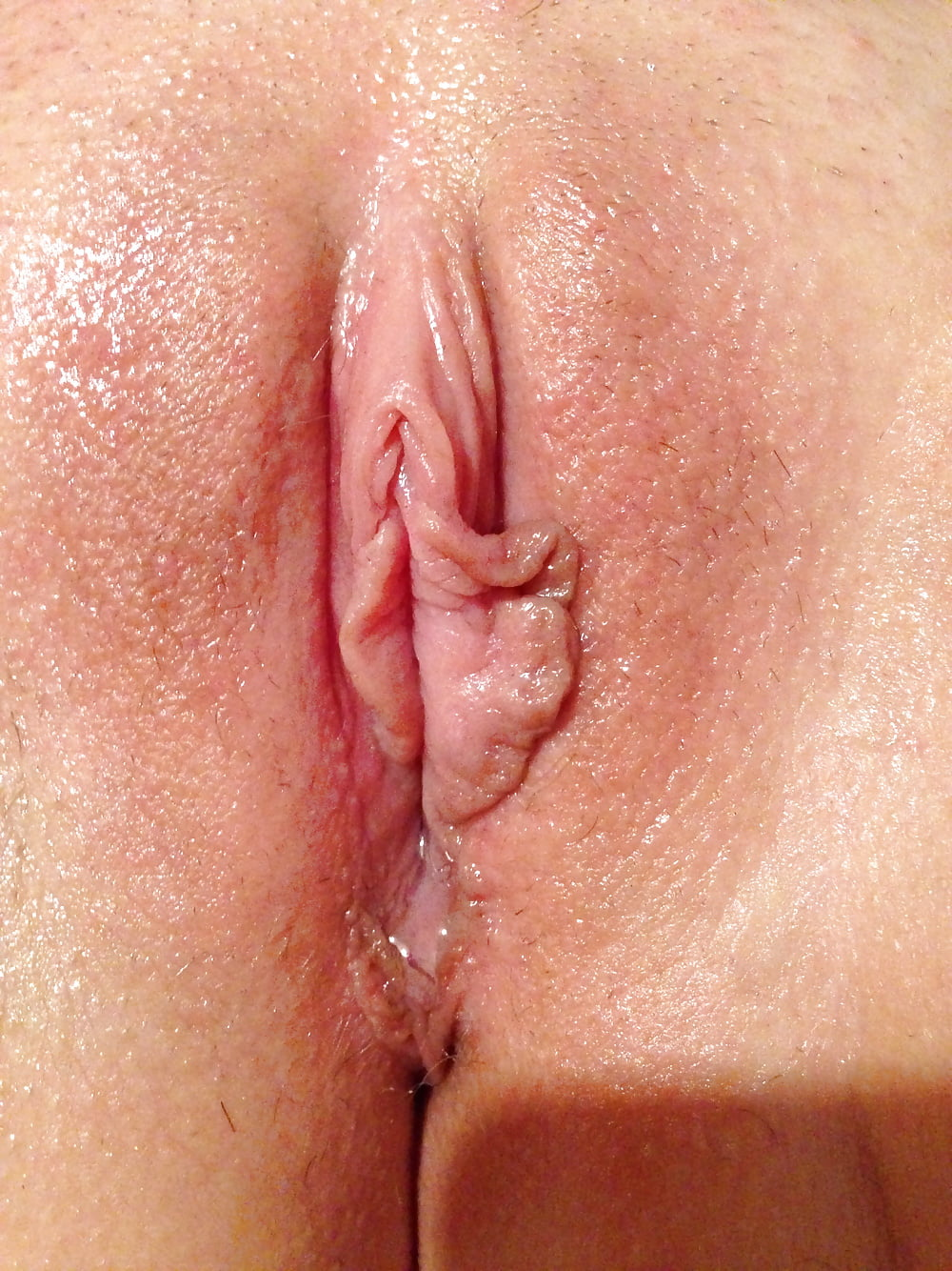 Lesbian dripping pussy juice