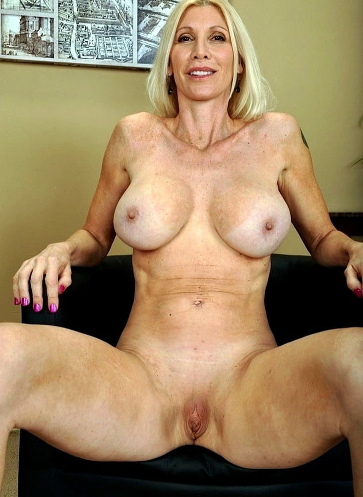 English gilf elaine sticks a badminton racket up her pussy - 2 part 8