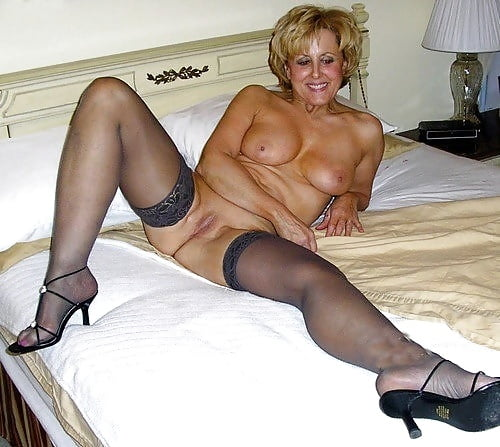 Naked mature gallery-9294